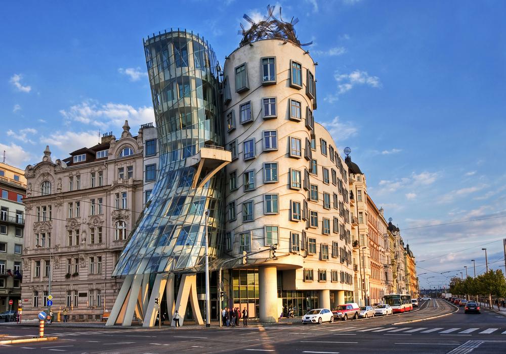Прага танцующий дом или Джинджер и Фред