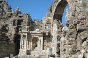 Сиде фонтан императору Веспасиану