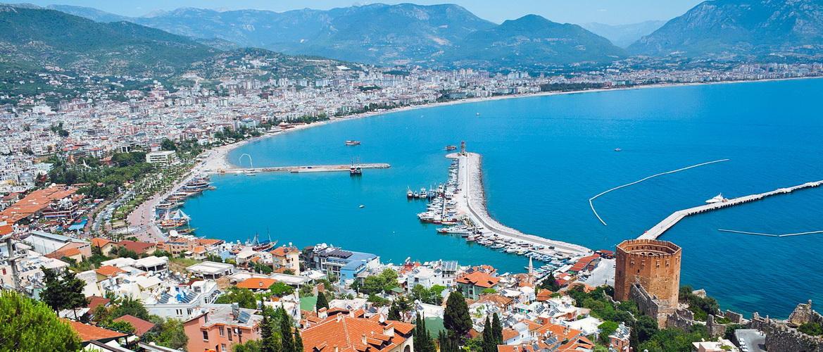 Аланья – курортный город в центральной части средиземноморского побережья Турции