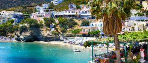 Крит - самый крупный остров Греции, омываемый тремя морями: Критским, Ливийским и Ионическим