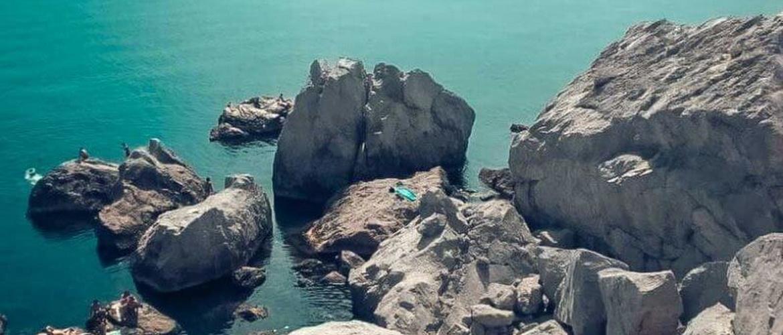 «Голубые камни» — необычный пляж нудистов в Крыму